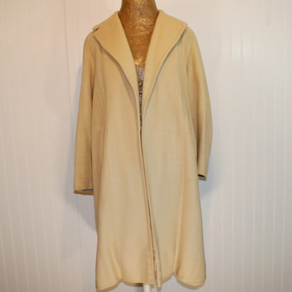 a70361fe2 Vintage Saks Fifth Avenue Chinese Cashmere LG Coat